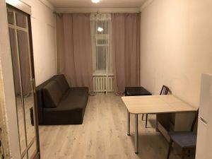 Комната Трофимова