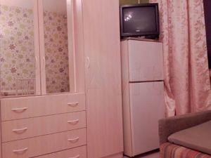 Комната около метро Пражская