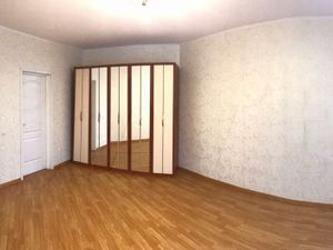 2-х комнатная квартира около метро Ладожская