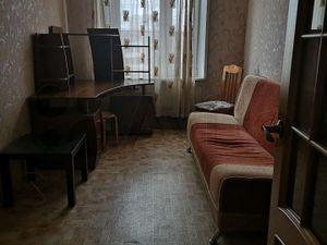 Комната на метро Пражская