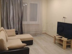 1 комнатная квартира около метро Раменки